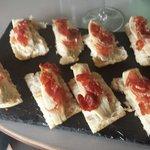 Sardinas marinadas con jamón 10€