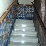 la scala di accesso all'hostal