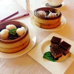 Shrimp dumplings and red bean cake