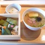 「ゐざさ寿司セット」¥1,320