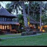 Notre bungalow à gauche
