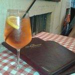 Aperol Spriz -nicht nur auf der Sommerterrasse gern getrunken