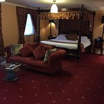 7ft four poster bed in Sanctuary suite