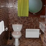 Salle de bain spacieuse