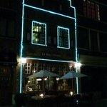 The front of Le Bistro Bon Vivant at night