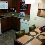 Kitchenette & Dining Area