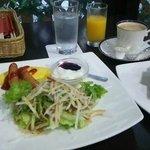 ホテル内朝食