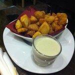 Antipasto di patate con crema di formaggi