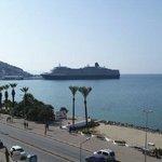View towards cruiseships & Pigeon island