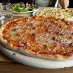 Pizza LARGE
