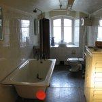 banheiro no piso inferior
