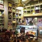 Deliciosa tienda con especialidades italianas y pasteas hechas en casa!