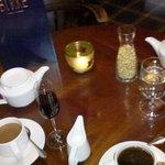 Kaffe & mehr im Kaminzimmer