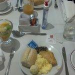 O melhor ponto positivo do hotel, o café da manhã, muito bom.