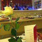 Bar & Frühstücksbereich