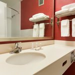 Baymont bathroom
