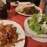 Kasnockn, side salad and hirschgulasch, with Wieninger dunkel!