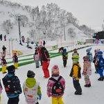 スキー場でのスキースクール