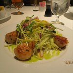 Seared scallops and Asian salad
