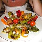 Plat végétarien : Croustillant de légumes grillés.