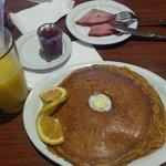 pumpkin pancake w/cranberry syrup