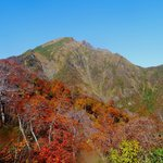 紅葉の谷川岳は素晴らしいです。