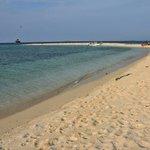 Garis pantai pulau Keke