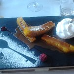 Ananas caramelisé coulis carambar mousse coco