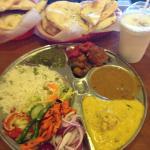 Rajdhani Sweets and Restaurant Foto