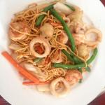 Stir Fried Noodle with seafood and vegetables