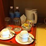 Tea/coffee-making set