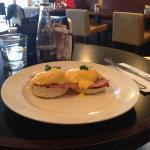 wow eggs benedict at Balans