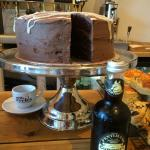 Fentimans Curiosity Cola cake