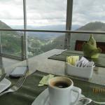 Tomando um café no hotel Stubel com uma vista magnífica