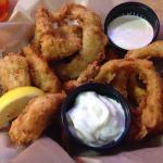 Fried Shrimp Basket with onion rings