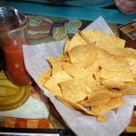 Chips & Salsa Los Machados