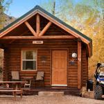 Zdjęcie Pine Creek Cabins Resort