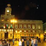 a una calle de la Puerta del Sol