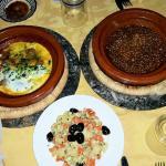Kefta di polpette e uova, lenticchie, insalata