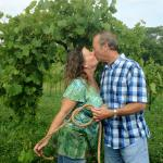Engagment photo in the vines