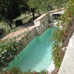 la piscine avec courant