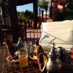 Tee auf der Dachterasse