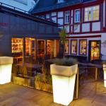 Vinothek und Terrasse