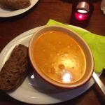 Zuppa con pollo a curry