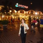 """Asiatic"" no pier de Bangkok"