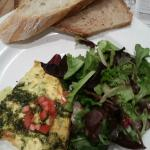 Quiche with mesclun