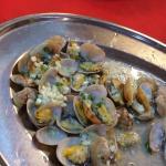 La la had crabs inside ...in-edible crabs so please check before eating