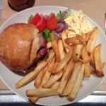 Double Bacon Cheesburger con patate e insalata (a parte!!!!!!)