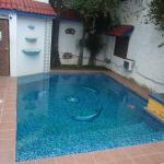 swimming pool, small and cold