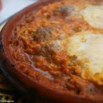 Tajin de carne picada con huevos, segundo plato menu del día